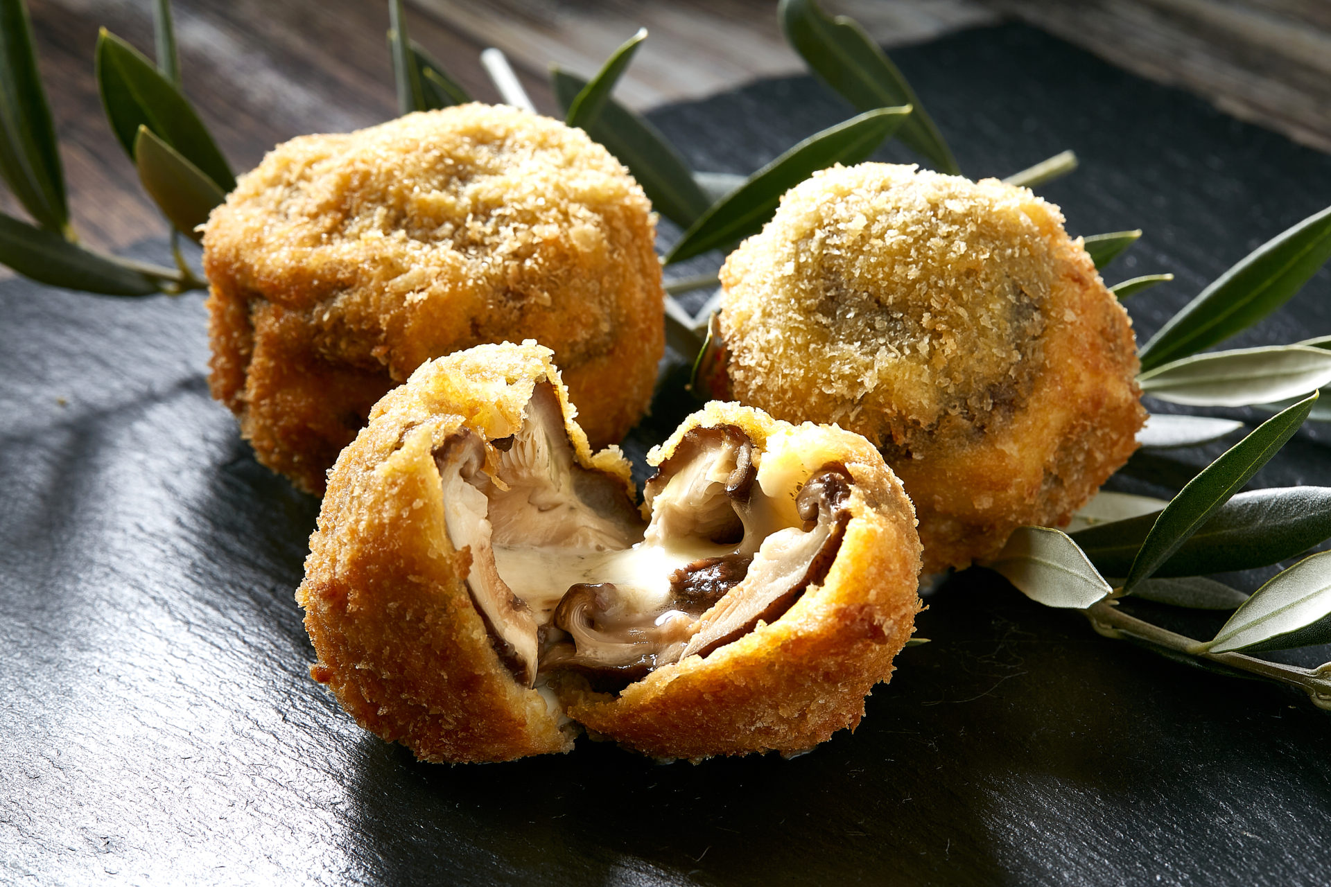椎茸とモッツアレラチーズのフリット